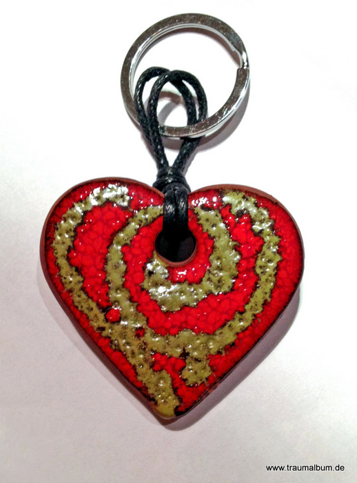 Schlüsselanhänger aus Keramik mit Montagsherz #117