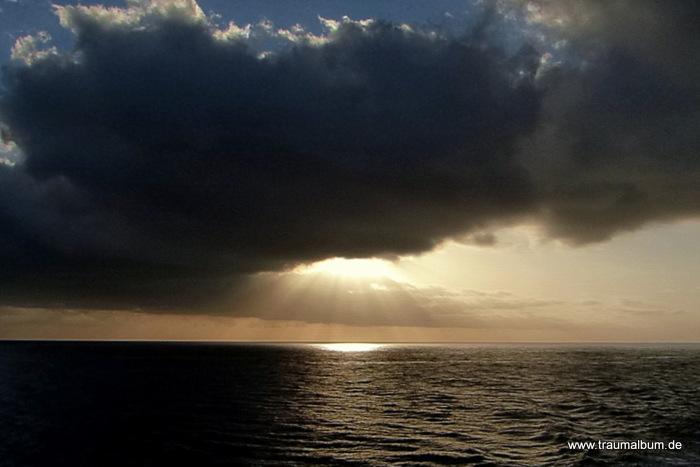 Sonnenuntergang - Sonnenuntergang zwischen Gomera und Teneriffa