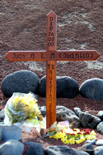 Holzkreuz für einen Verstorbenen für te quiero
