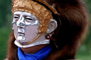 Der Maskenhelm der römischen Soldaten