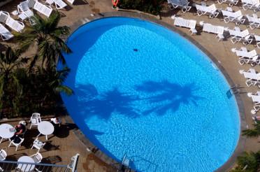 Am Pool – View Down oder: Der Blick nach unten