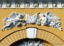 An der Fassade der Admiralität: Send me an Angel #26