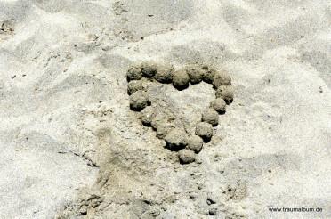 Herz aus Sand für das Montagsherz #154