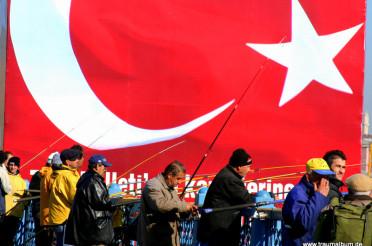 Türkische Fahne und das Kreative Sonntagsrätsel #2