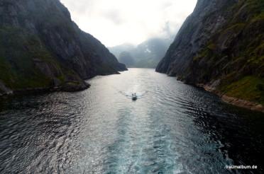 Das tiefen Wasser im Trollfjord – Ein Hurtigruten-Highlight