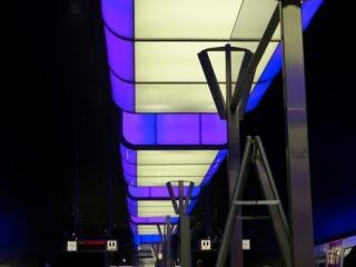 Lila 320x240 c - Lichtshow in der Station HafenCity Universität Hamburg