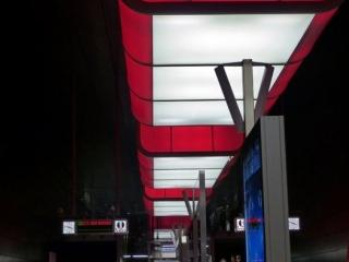 Rot 320x240 c - Lichtshow in der Station HafenCity Universität Hamburg