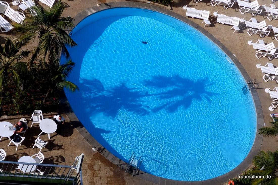 blick zum pool