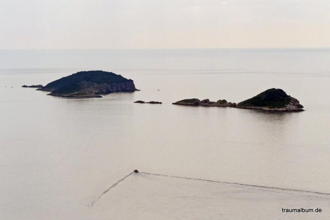 Inselgruppe im meer vor dubrovnik