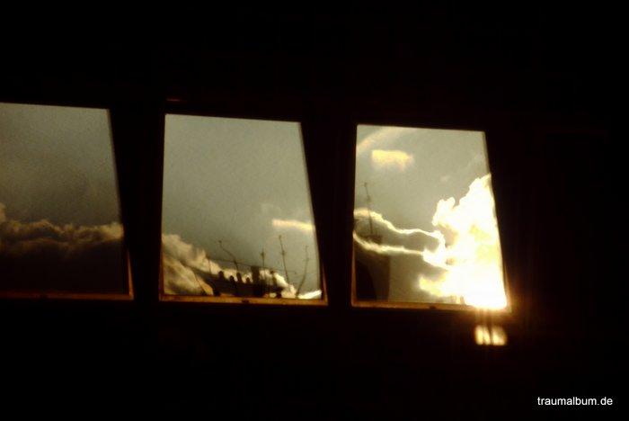 spiegelung in einem Dachfenster