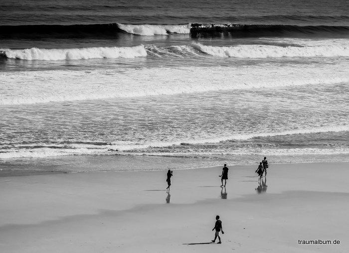 monochrome momente am strand