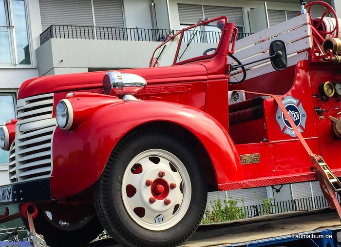 ich sehe rot bei einem Feuerwehrauto