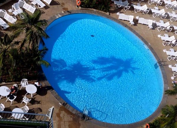 Blick zum Pool Teneriffa Hotel