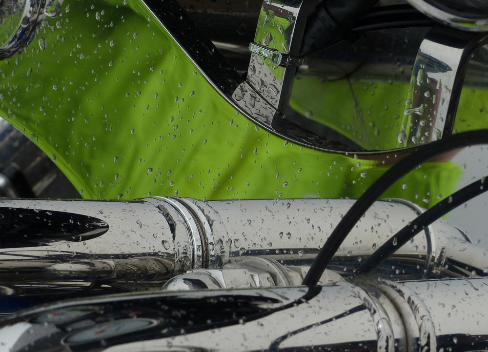 grünes chrom spiegelung spiegelkabinett